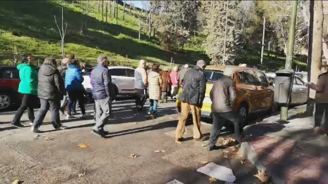Vecinos de San Illán protestan por la falta de aparcamiento y las multas en el barrio