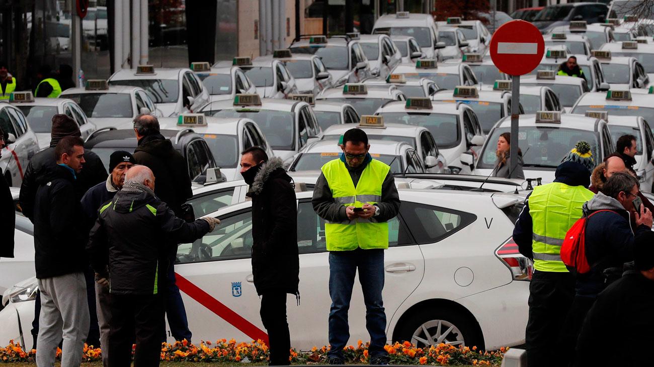 Los taxistas colapsan Madrid y amenazan con boicotear Fitur
