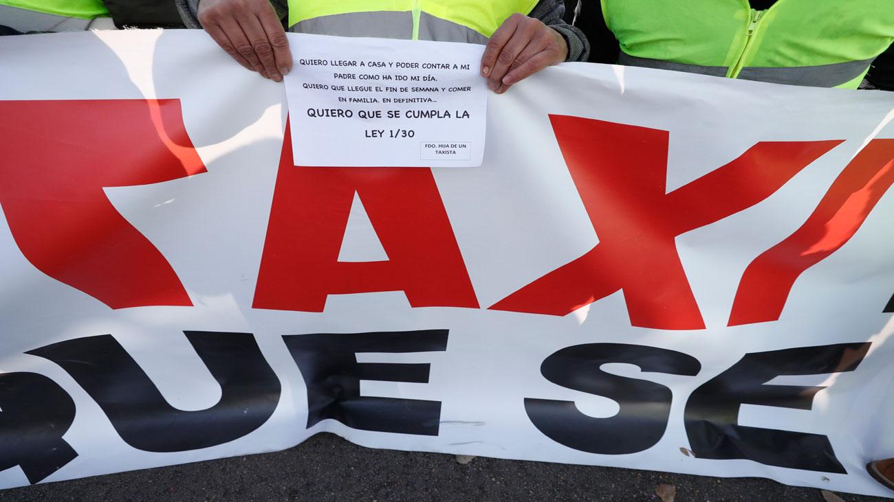 Pancarta en la huelga de taxis