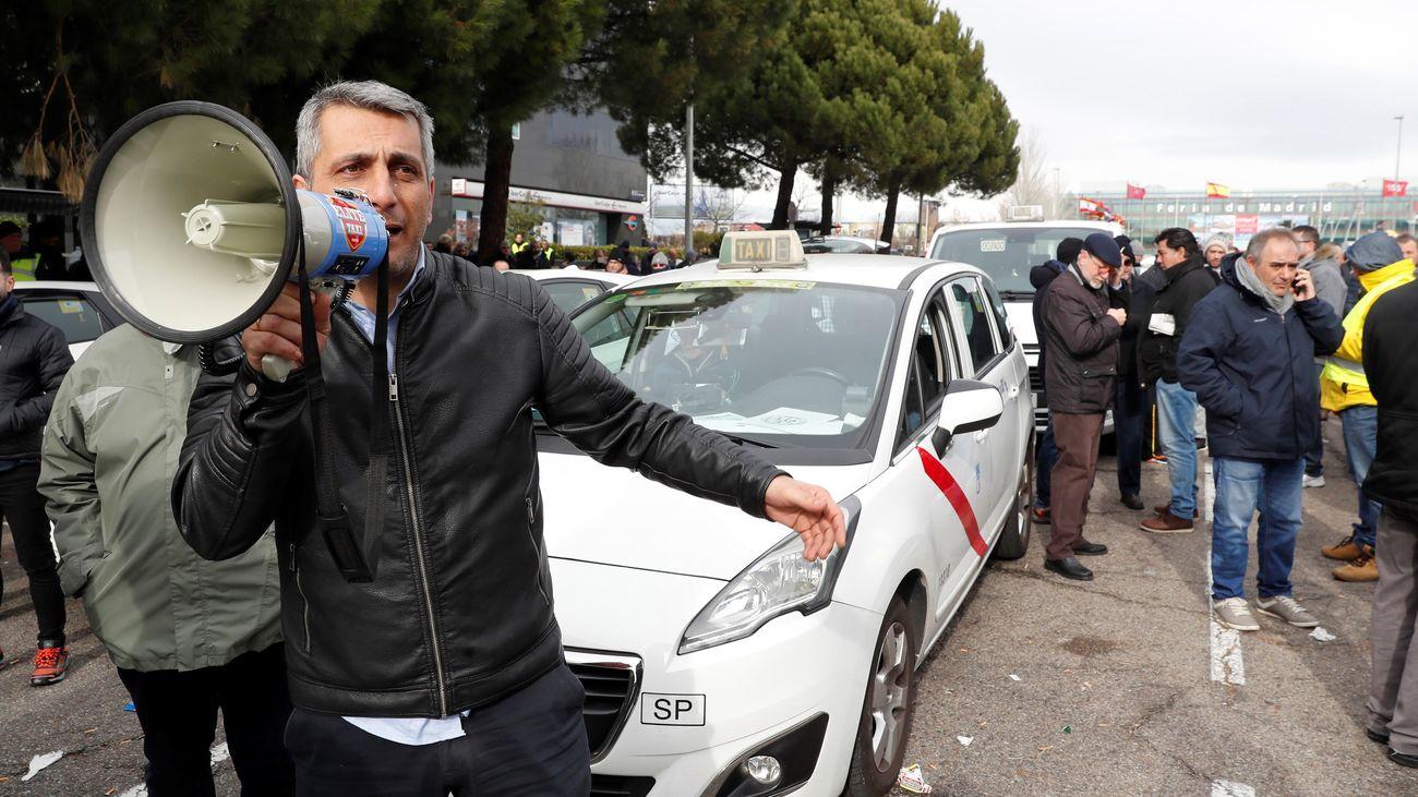 Un taxista de Madrid, durante una de las protestas del colectivo