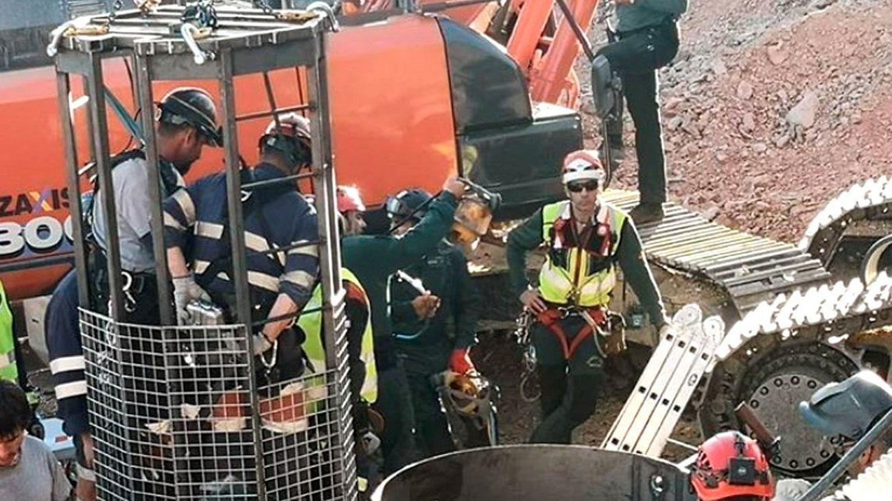 Fotografía compartida en Instagram por Alfonso Rodríguez Gómez de Celis, delegado del Gobierno en Andalucía, que muestra la entrada de la Brigada de Salvamento Minero en el túnel con el objeto de rescatar a Julen, el niño de 2 años que cayó a un pozo en Totalan (Málaga).