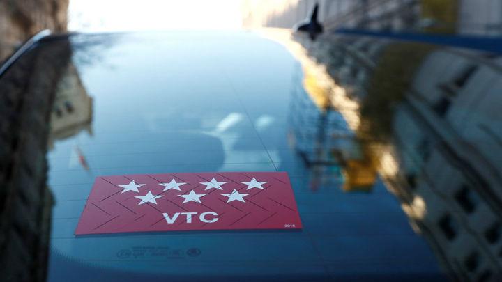 Tres taxistas detenidos por rajar las ruedas a un VTC