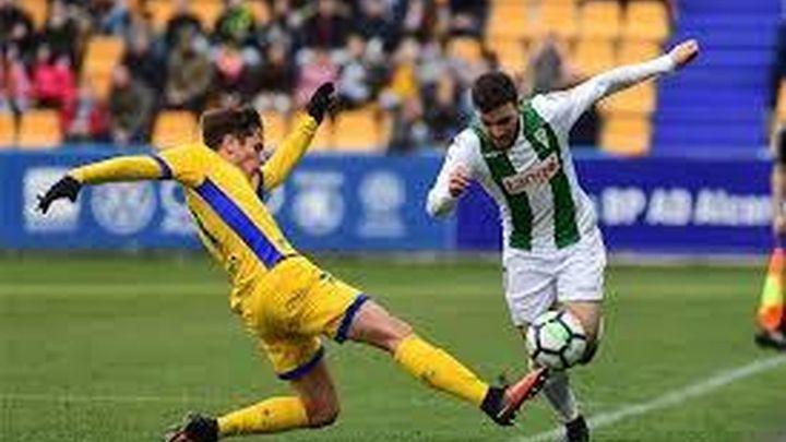 2-1. El Alcorcón vuelve a sonreír ante el Córdoba