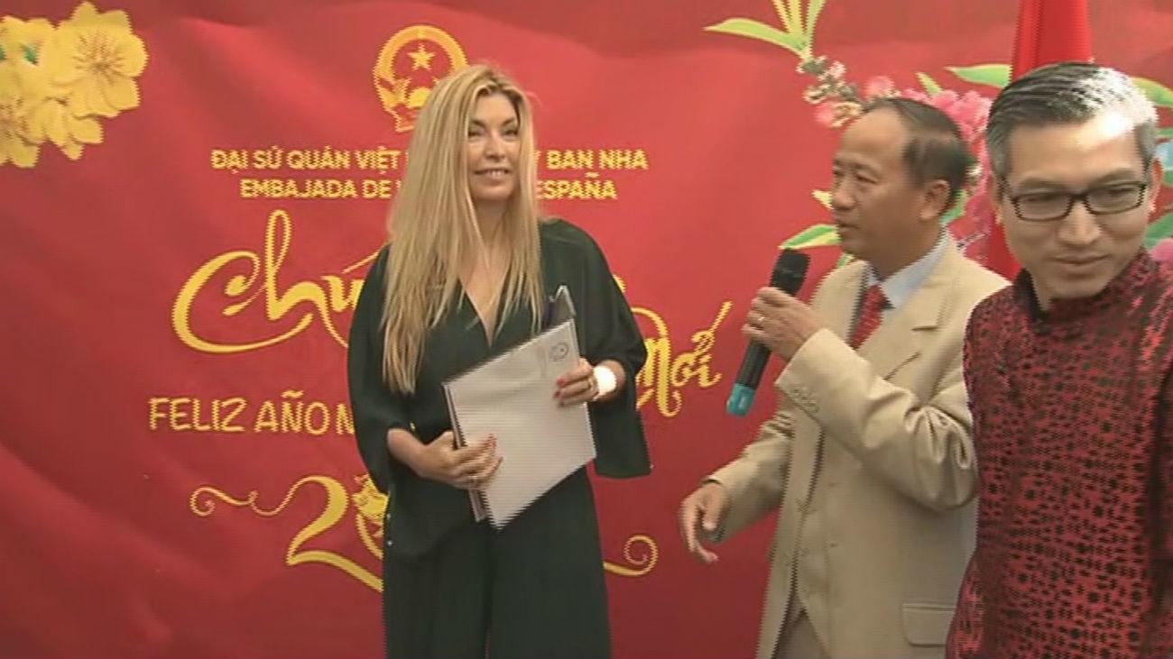 """Vietnam premia a Paloma Ferre por """"Madrileños por el mundo"""""""