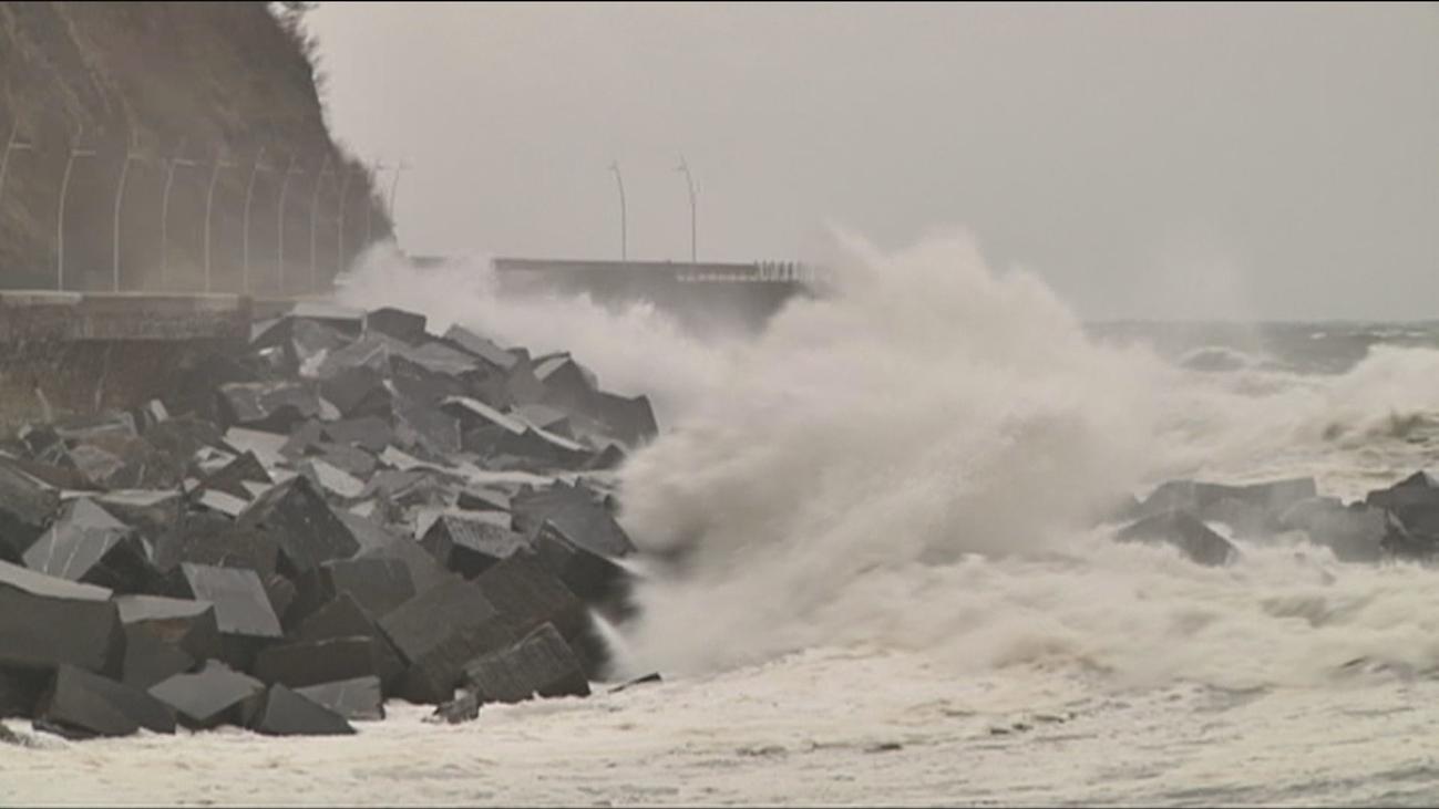 Llega la borrasca 'Gabriel' con fuerte temporal de viento y mar en el Cantábrico