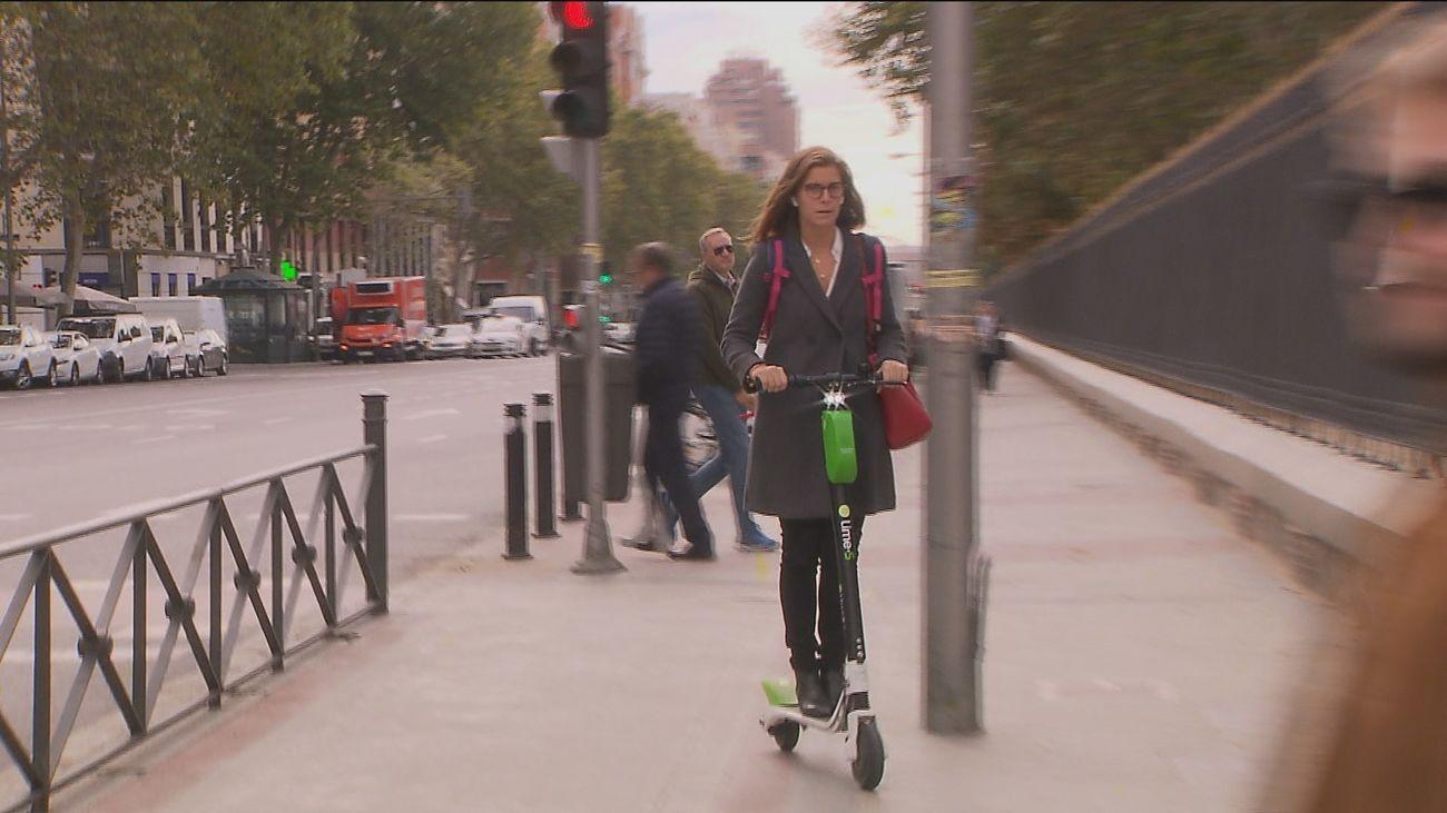 Piden instalar en Madrid más de 100.000 patinetes eléctricos, 10 veces más que el tope del Ayuntamiento
