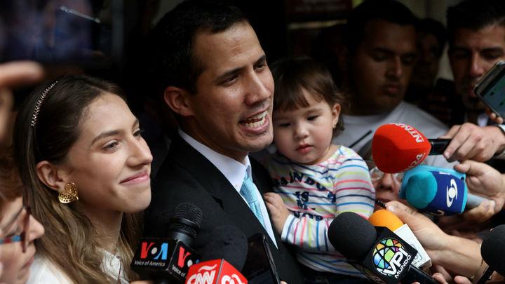 Guaidó dice que los policías fueron a su casa para interrogar a su esposa