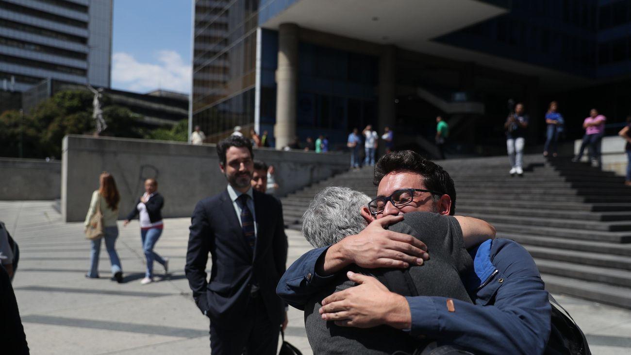 Liberados los dos periodistas franceses y reporteros de EFE en Venezuela