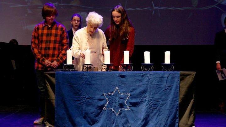 Una superviviente de Auschwitz cuenta su vida a 200 escolares de Alcobendas