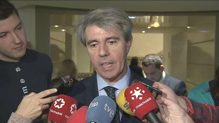 Garrido rechaza la pretensión de los taxistas de que decida el Ayuntamiento la precontratación