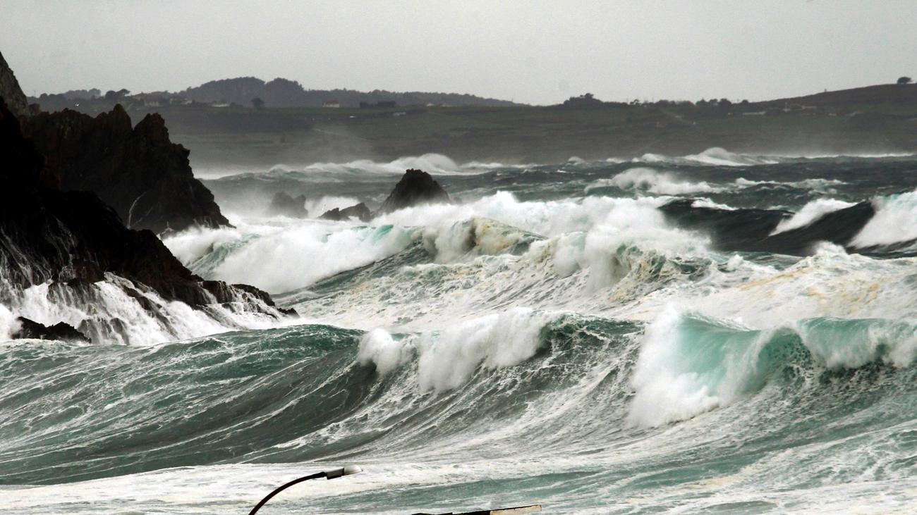 La borrasca 'Helena' con vientos de 140km/h en Galicia
