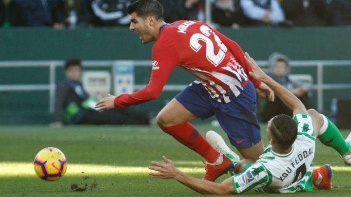 1-0. El Atlético no puede con el Betis ni con el VAR