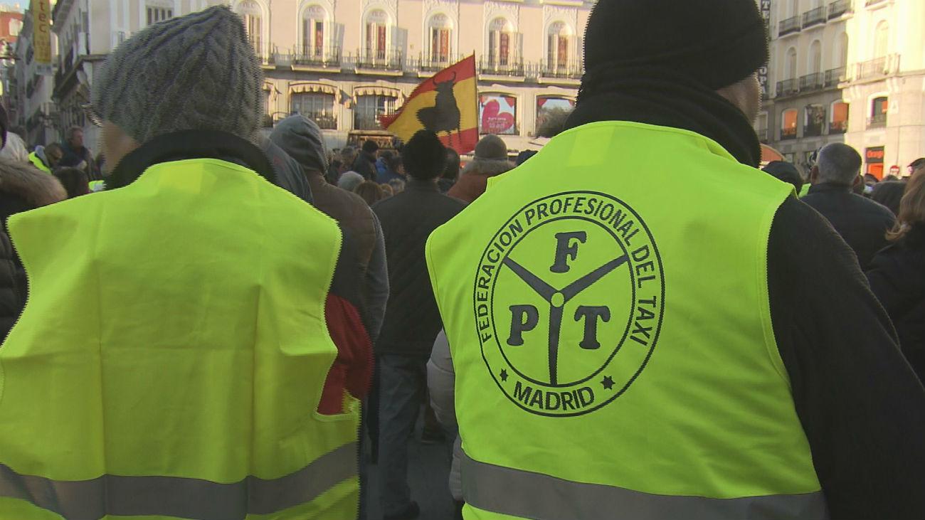 Los taxistas madrileños inician este lunes su tercera semana de huelga