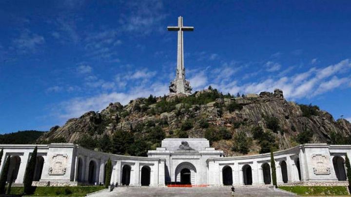 La Asamblea apoya reconvertir  el Valle de los Caídos y exhumar a Primo de Rivera