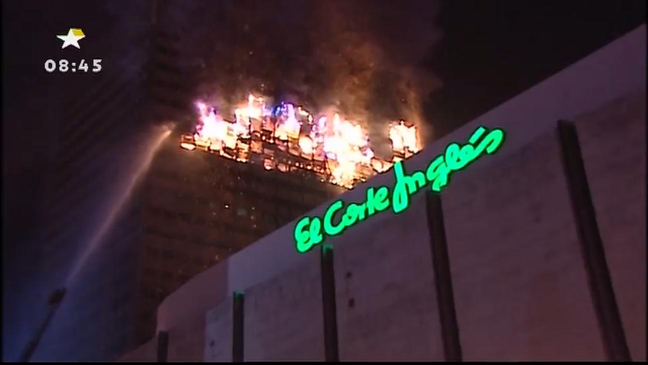 Así informó Telemadrid del incendio del Windsor: 15 horas en directo de un incendio que hizo historia