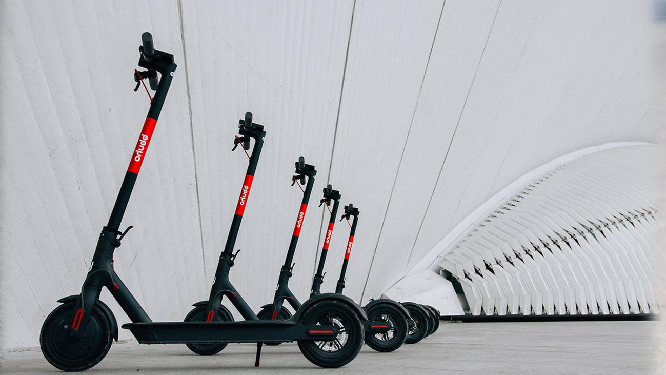 Claves para saber cómo circular con patinetes eléctricos en Madrid
