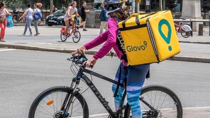 Glovo defiende que las condiciones laborales de los actuales riders son diferentes a las de la sentencia del Supremo