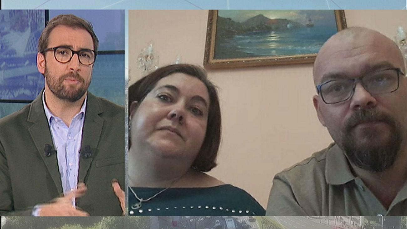 Hablamos con una pareja española atrapada en Kiev sin poder inscribir a su hija