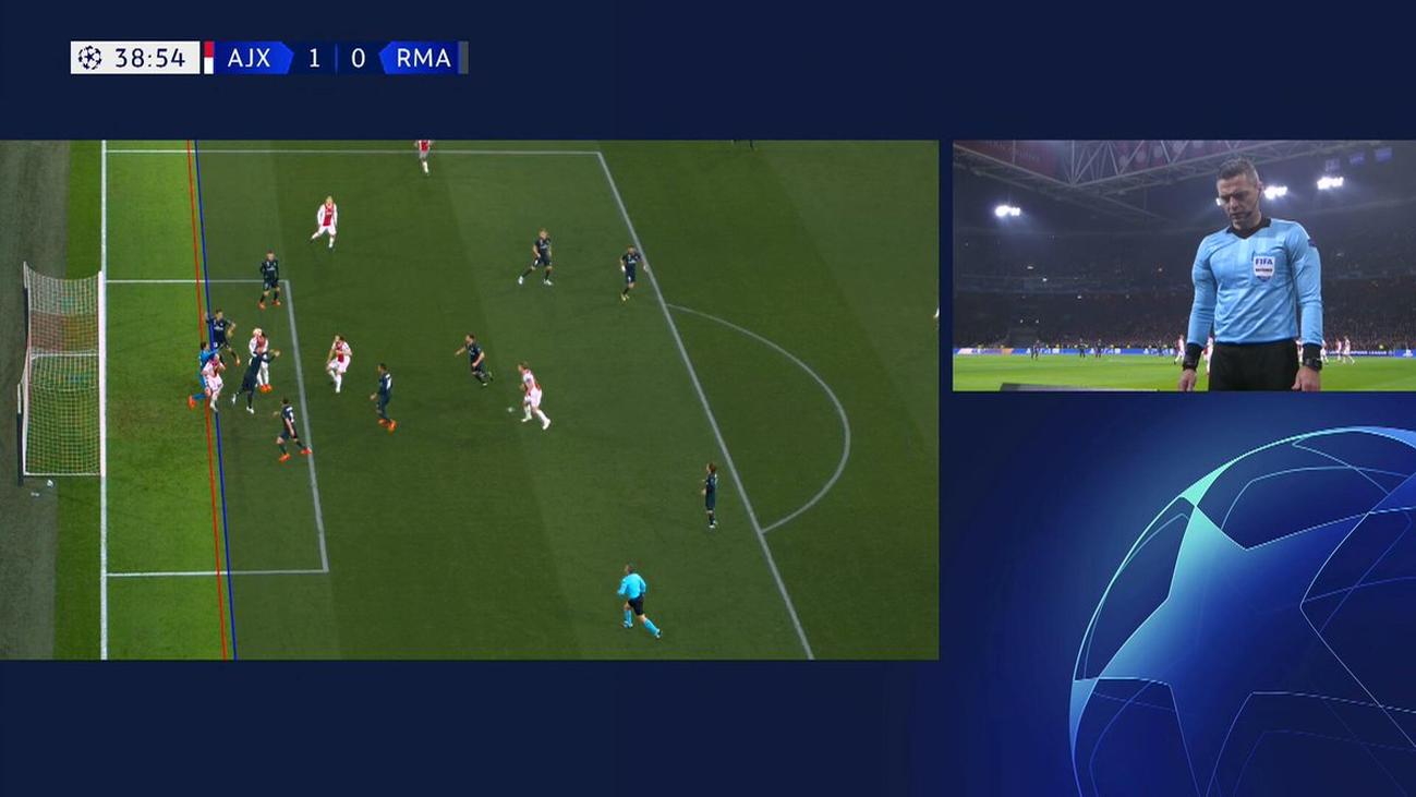 La UEFA explica que el VAR anuló por fuera de juego el gol del Ajax