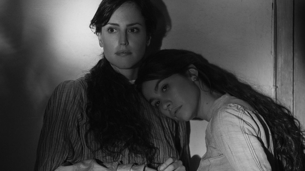 'Elisa y Marcela', la historia de un matrimonio gay en 1901