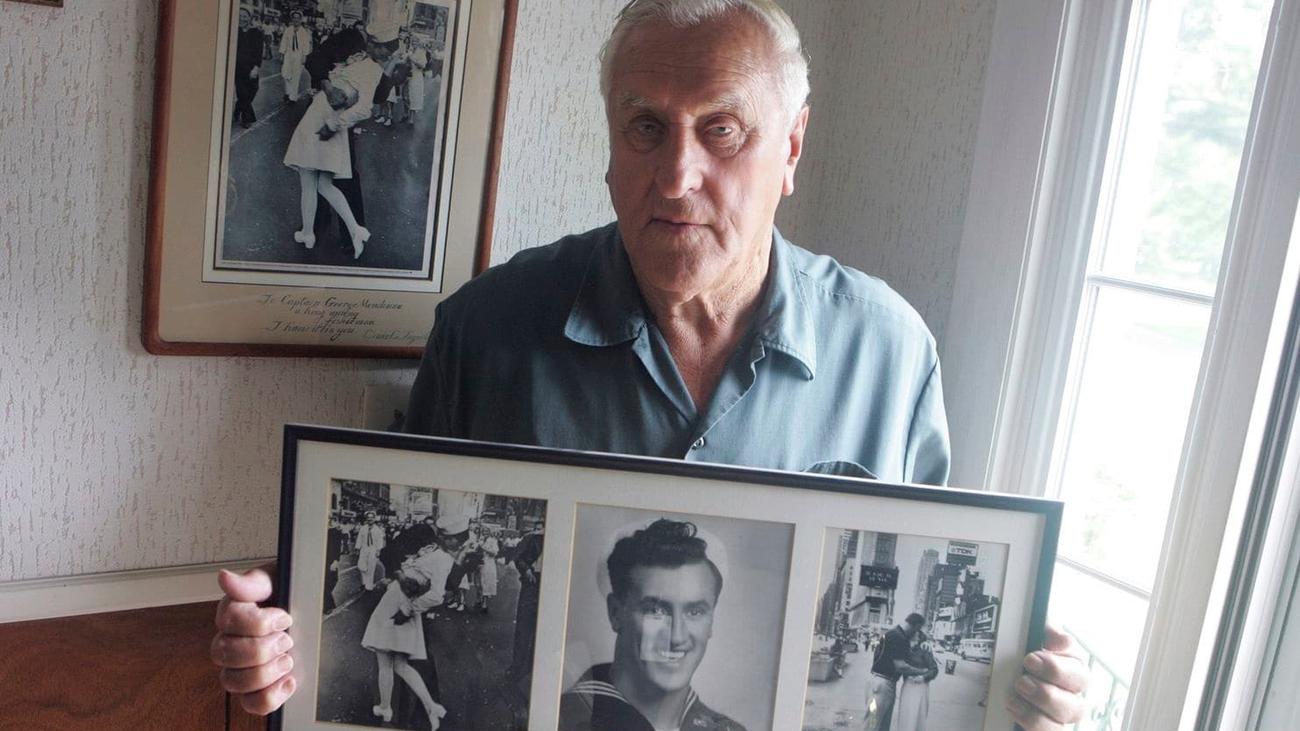 Fallece el autor del beso del final de la II Guerra Mundial