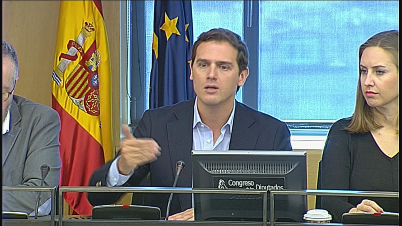 Rivera reafirma el veto de Ciudadanos a pactar con el PSOE de Sánchez tras las elecciones