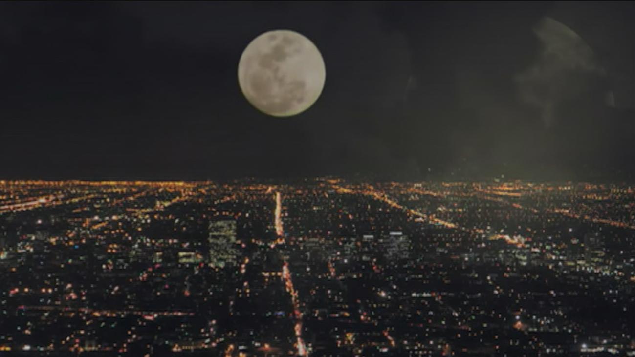 La luna de nieve o 'superluna', la más grande de 2019