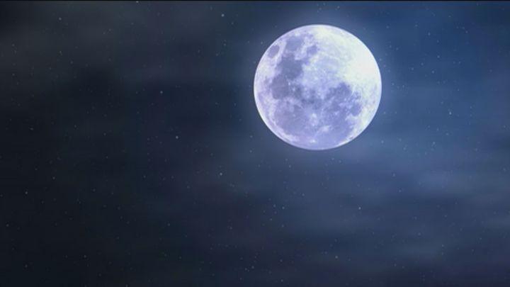 Cómo fotografiar con el móvil la superluna de esta semana desde tu casa y si las nubes lo permiten
