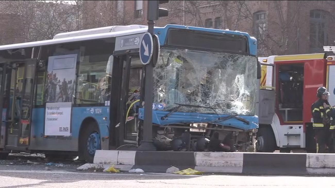 Aparatoso accidente de autobús en O'Donnell