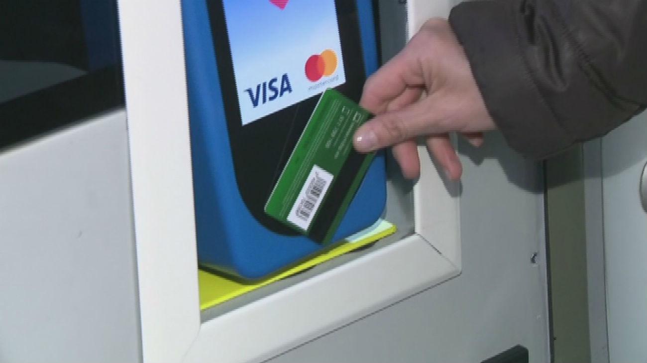 Así funciona el sistema de pago con tarjeta en los autobuses de la EMT