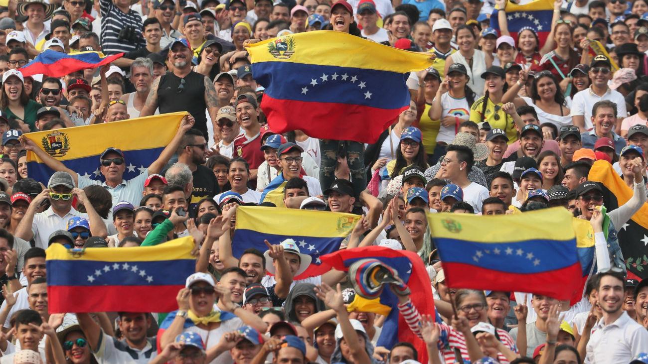 Maduro cierra la frontera de Venezuela con Brasil