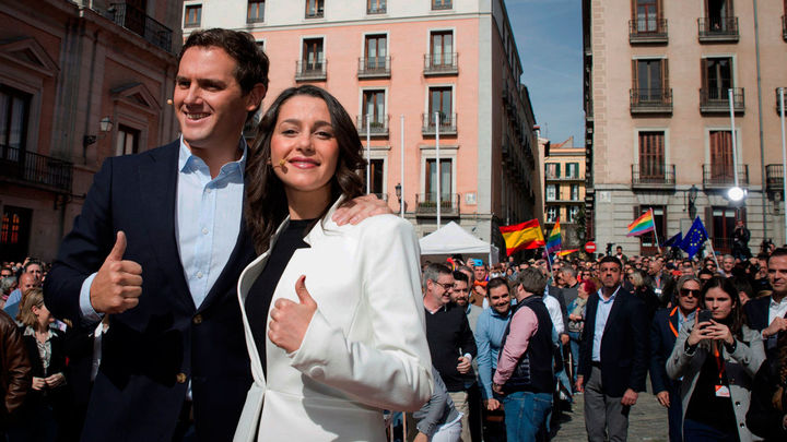 "Arrimadas se presenta a las generales para ""sacar a Sánchez de Moncloa"""