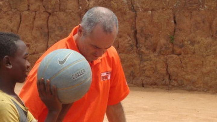 Entrevista a Tomás Manzano, de la ONG 'Deporte y Educación'