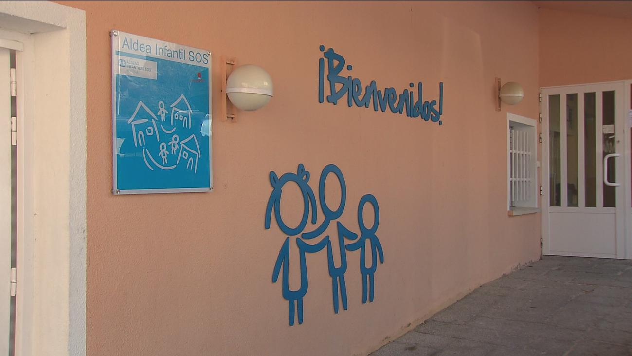 En Madrid más de 5.600 niños viven con familias de acogida o en residencias