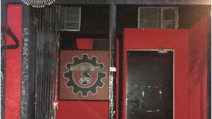 Desalojados 58 menores que consumían alcohol en un local de Chamberí