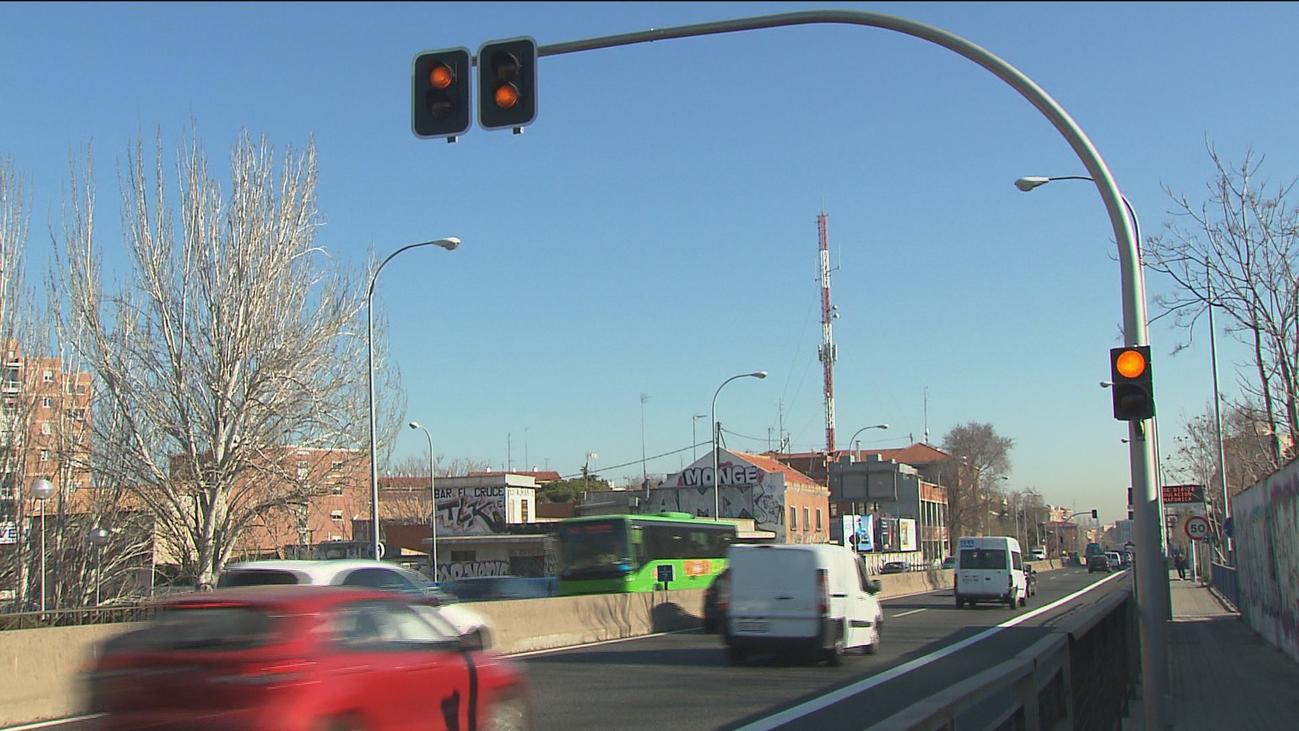 Gonzalo pide paralizar los semáforos de la A-5 pero Sabanés descarta problemas de tráfico