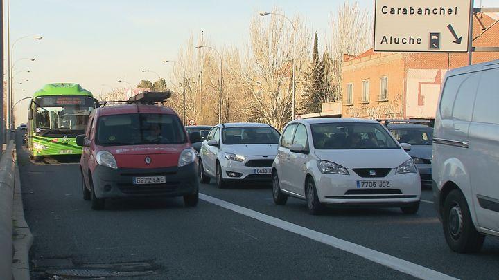 Villacís y Almeida presentan sendos proyectos para tapar la A-5 en el paseo de Extremadura