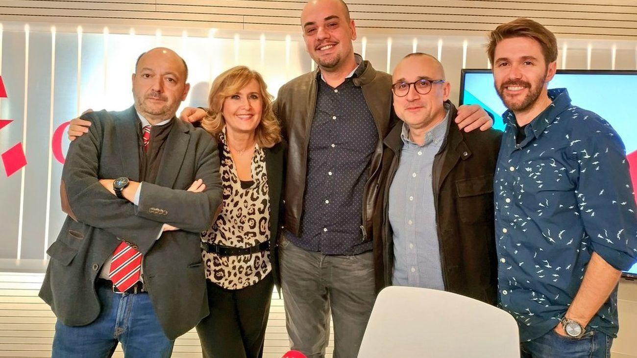 Tertulia de actualidad  con Ferrán Boiza de EL MUNDO y Carlos  Hidalgo de ABC