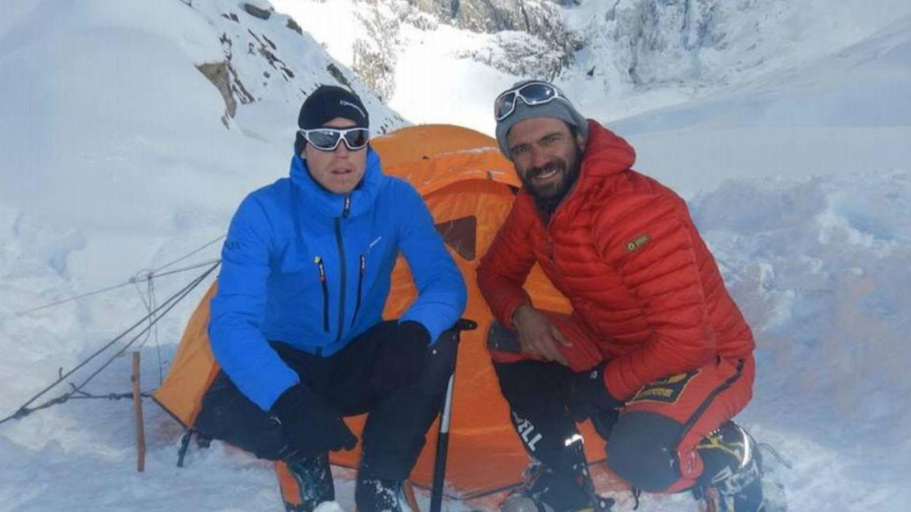 Buscan a dos montañeros desaparecidos en el Nanga Parbat