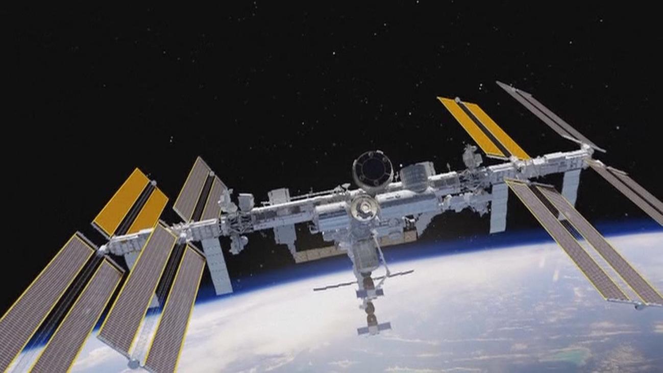 Space X lanza la primera nave para llevar y traer astronautas a la estación espacial
