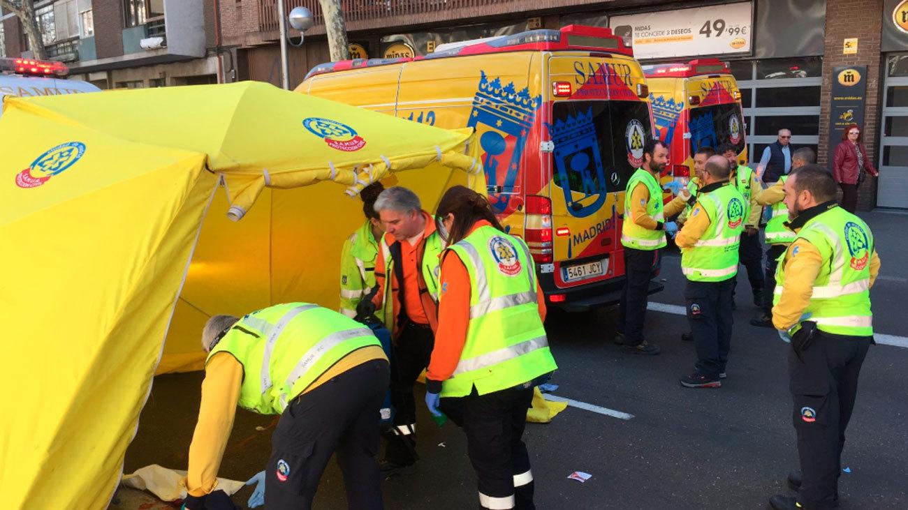 Un hombre herido grave tras ser atropellado en la calle Ciudad de Barcelona