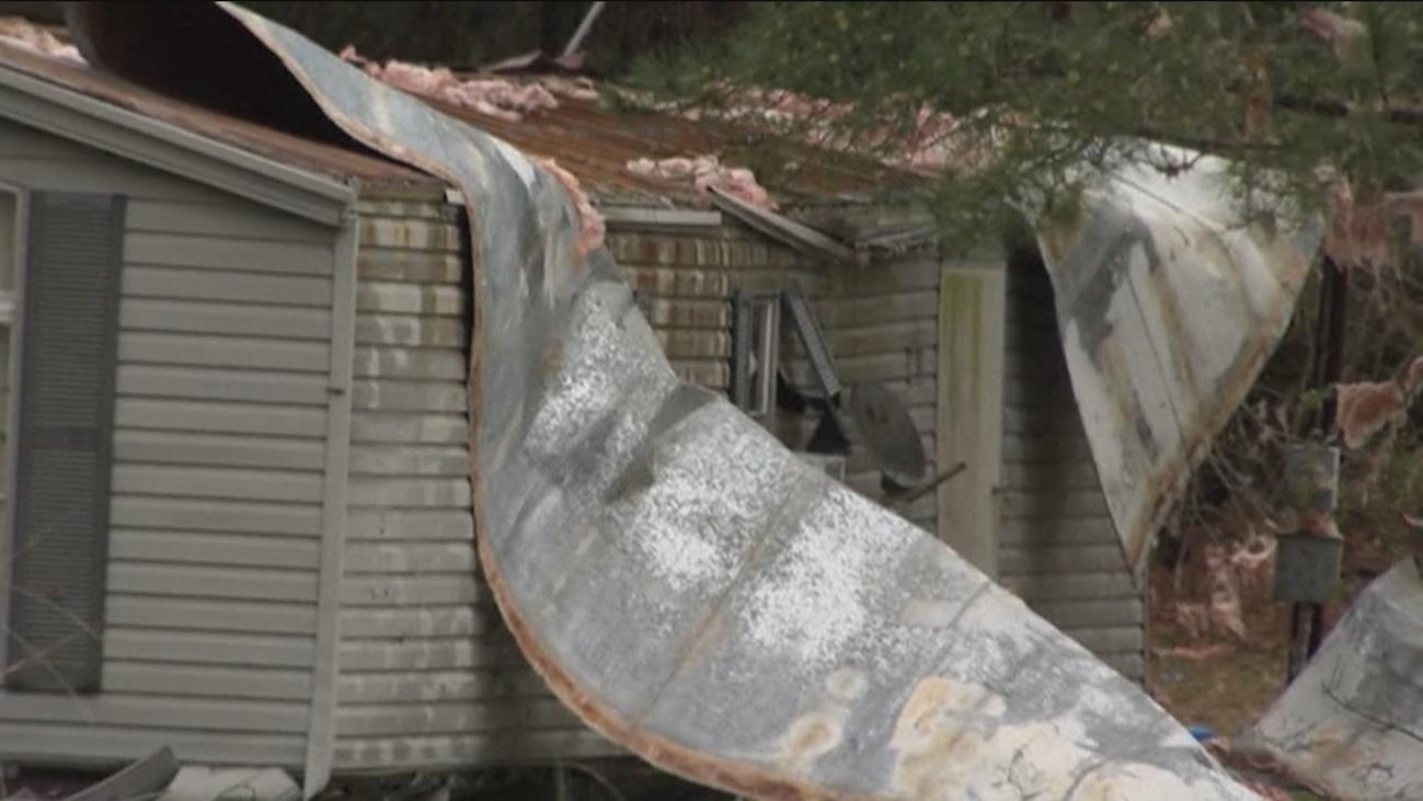 Desolación en Alabama tras el paso de un tornado que ha dejado 23 muertos