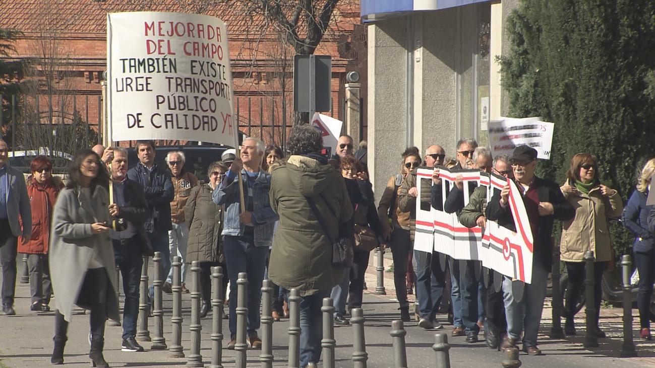 Vecinos de Mejorada del Campo suman casi 3.000 firmas para pedir mejor transporte