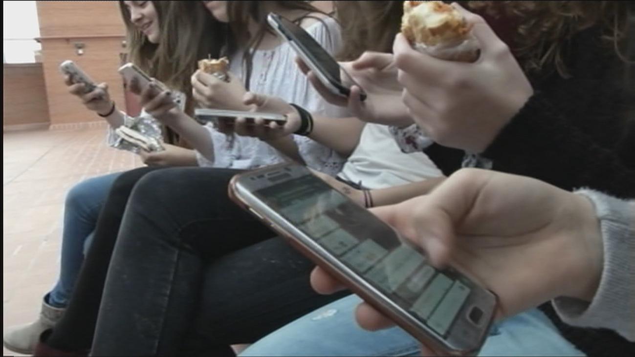 Riesgos para la salud del uso desmedido de las redes sociales