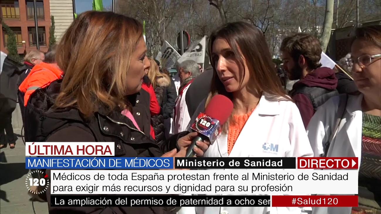"""Médicos de toda España se manifiestan para exigir """"más recursos en la sanidad"""" y """"de calidad"""""""