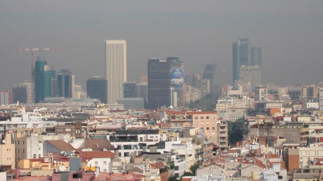 Vista de la 'boina' de contaminación en Madrid