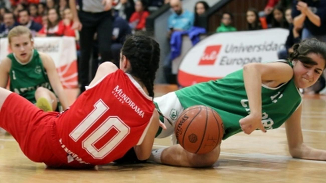 Copa Colegial: Joyfe acaba con el sueño de Cabrini (40-30)