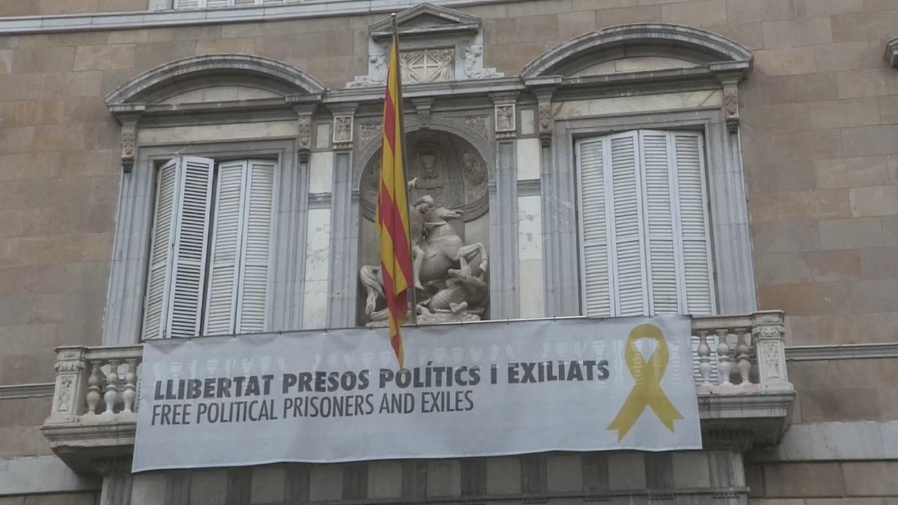 Torra mantiene los lazos amarillos contra la decisión de la Junta Electoral