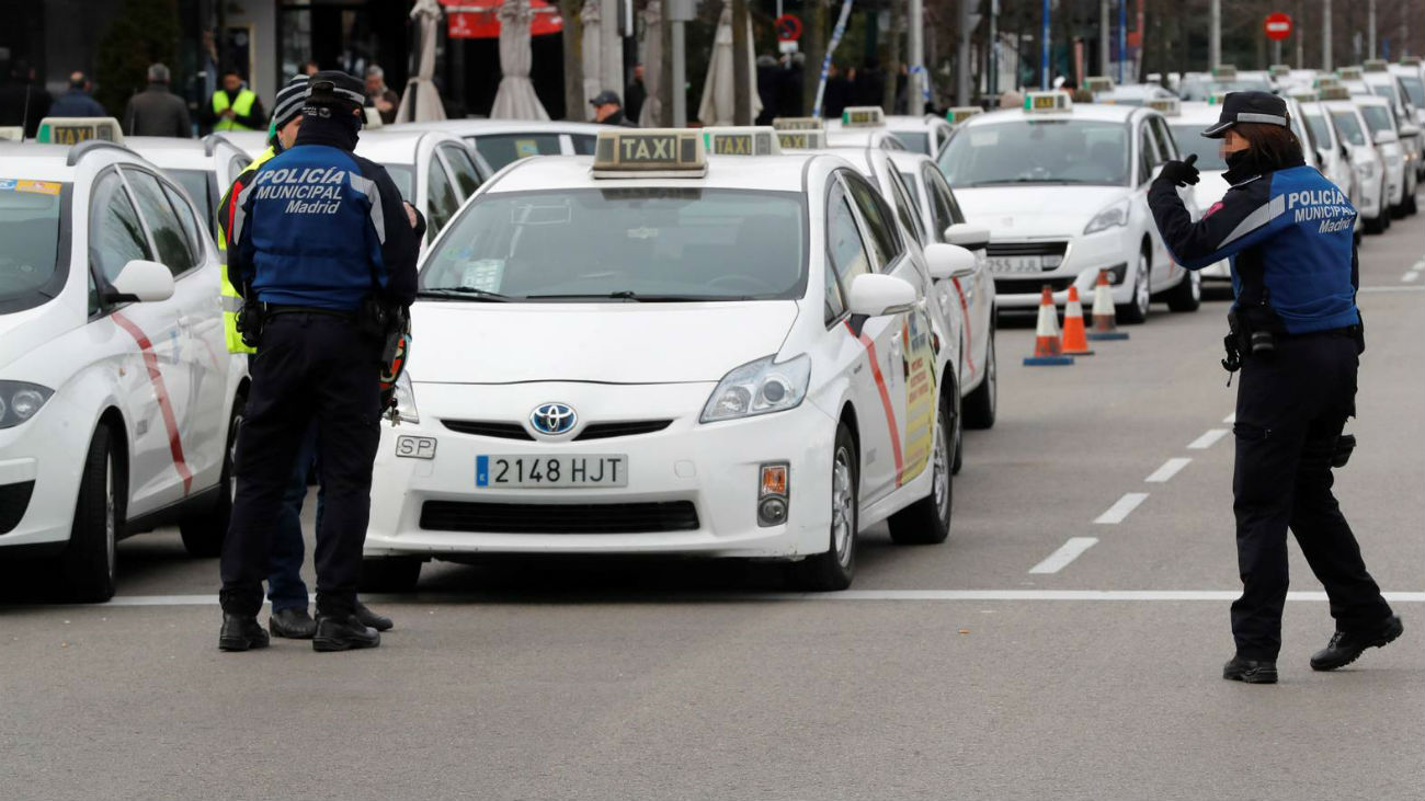 Más de 40.000 euros en multas a los taxistas por infracciones durante la huelga contra las VTC