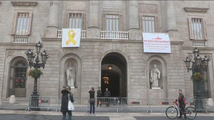 El Tribunal Superior de Cataluña abre juicio contra Torra por los lazos